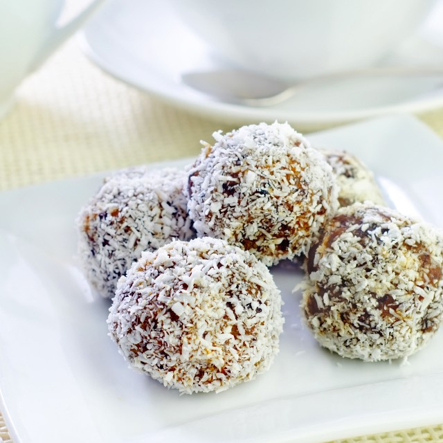 Oaty chocolate bites