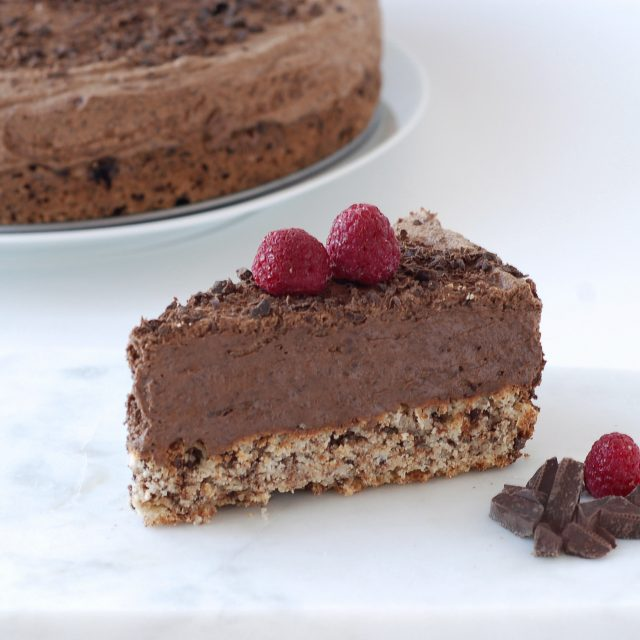 how to make chocolate mousse cake