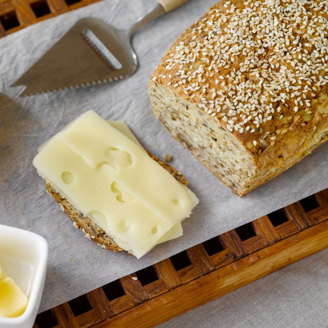Cheese and walnut bread with Fibre bread mix